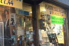 la-boutique-maurice-radio-libre-a-paris-002