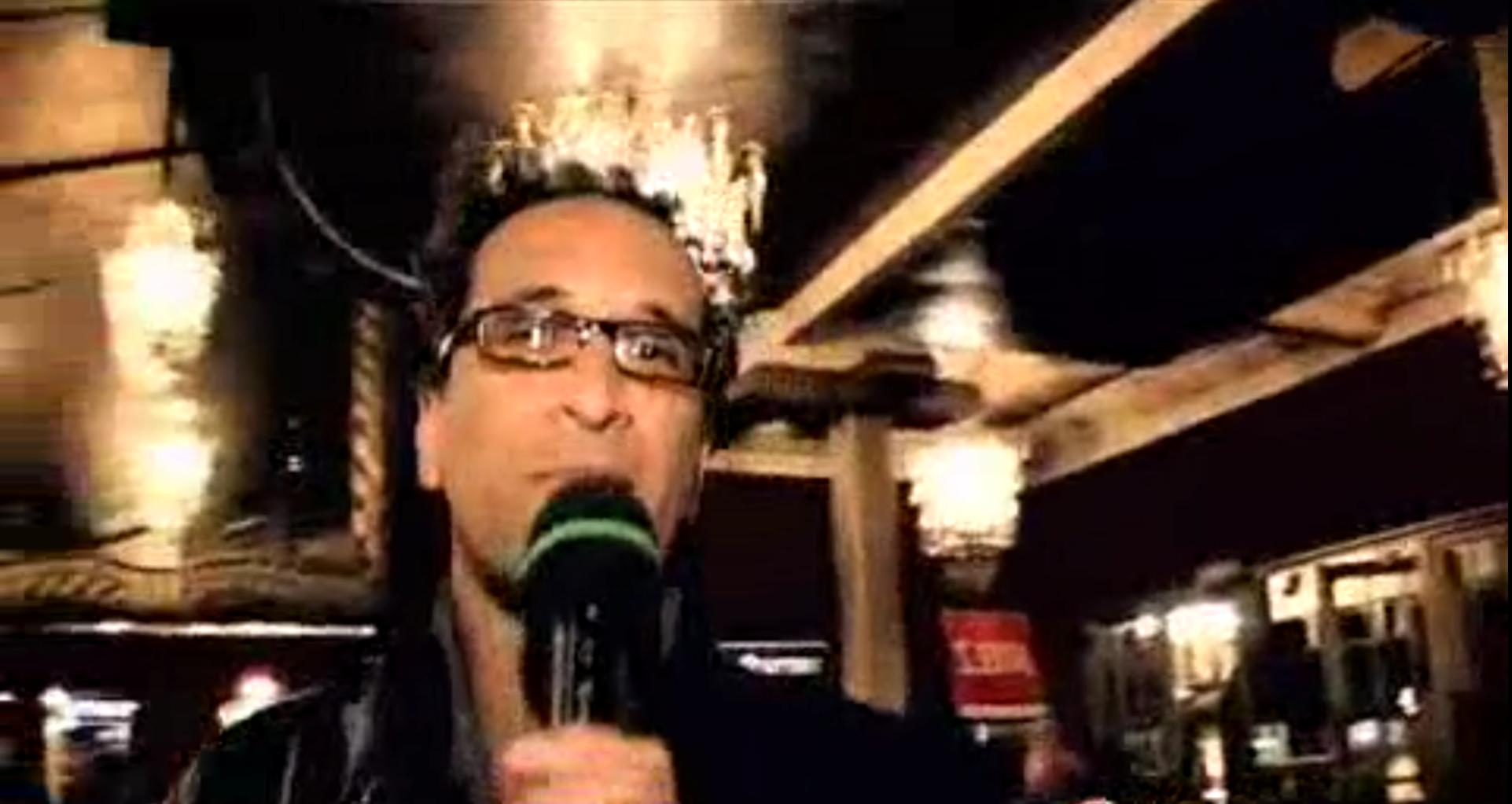 vignette Maurice part en live au concert de Travis